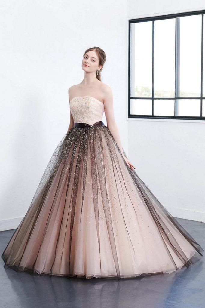 カラードレス入荷ブライダルグッズポケットのドレス